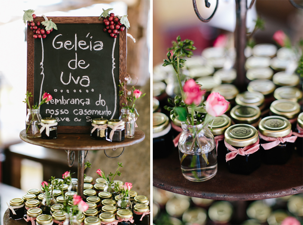 Homemade Grape Jelly Wedding Favors | Brazilian Island Detail-filled Wedding | Frankie e Marilia