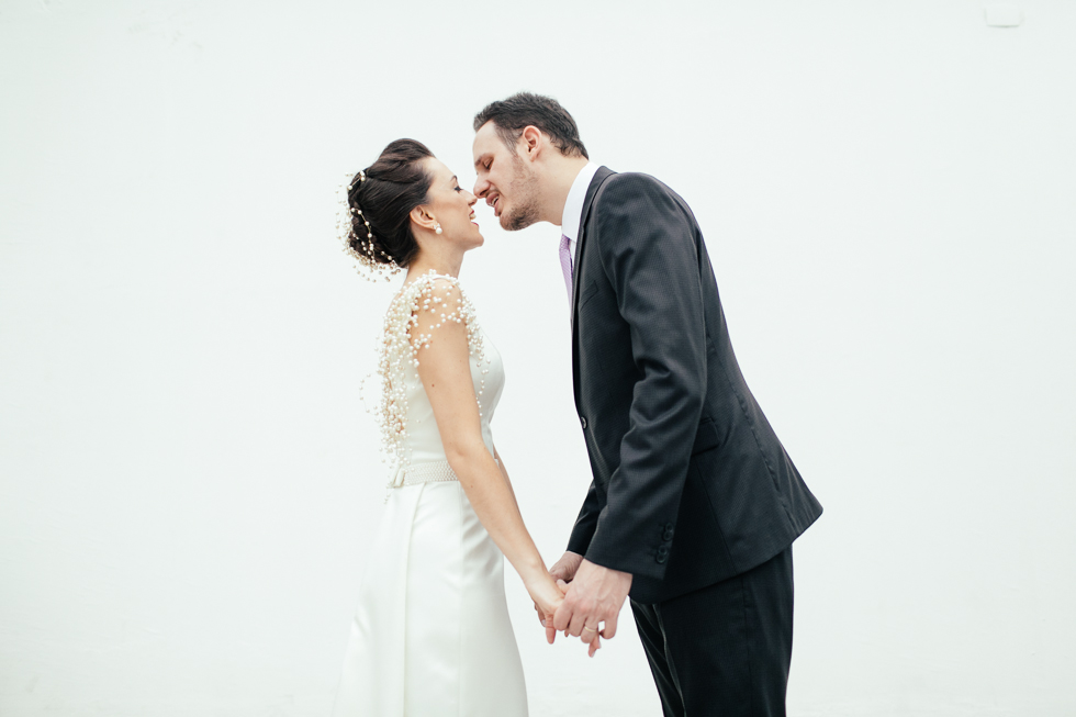 Beautiful pearly dress inspiration from a small Brazilian wedding
