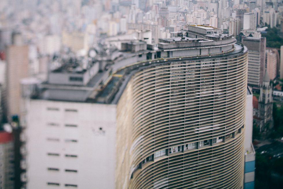 Edifício Copan | Modernist São Paulo Architecture by Oscar Niemeyer | Photo: Frankie e Marilia