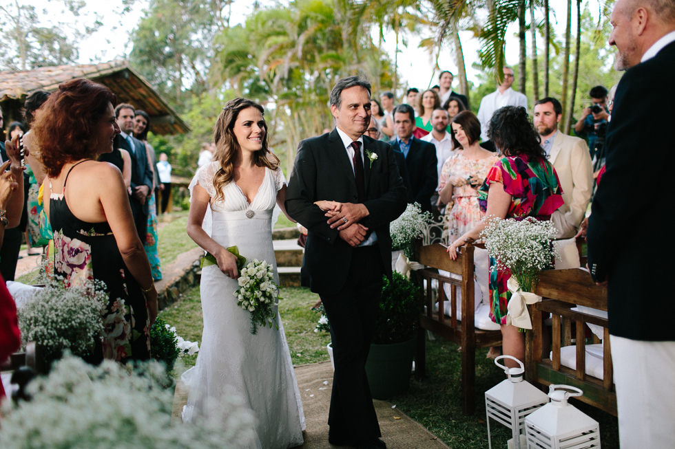 Delicate, detail-filled wedding in a tropical island in Brazil (42)