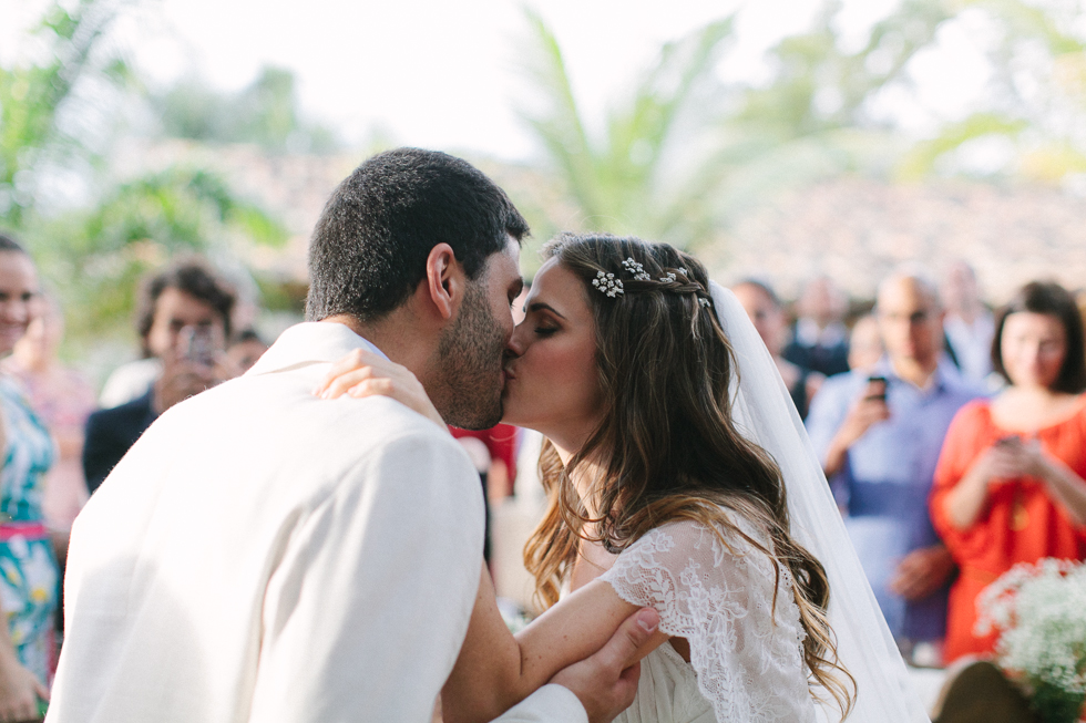 Delicate, detail-filled wedding in a tropical island in Brazil (43)