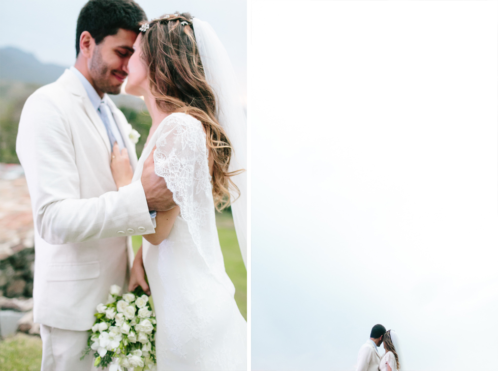 Delicate, detail-filled wedding in a tropical island in Brazil (57)