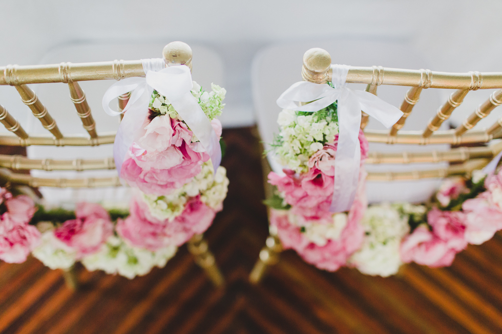 Beautiful and delicate Marie Antoinette inspired wedding | Photos by Frankie & Marilia (25)
