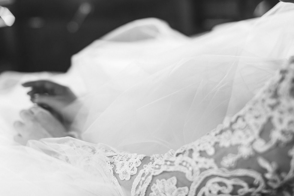 Beautiful and delicate Marie Antoinette inspired wedding | Photos by Frankie & Marilia (32)