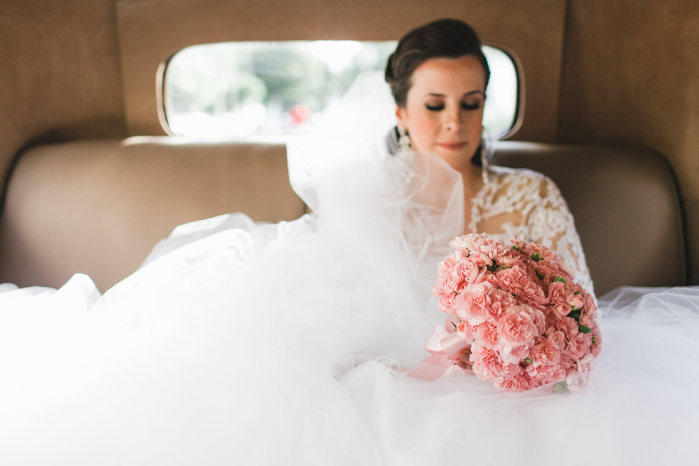Beautiful and delicate Marie Antoinette inspired wedding | Photos by Frankie & Marilia (34)