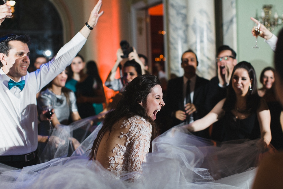 Beautiful and delicate Marie Antoinette inspired wedding | Photos by Frankie & Marilia (59)