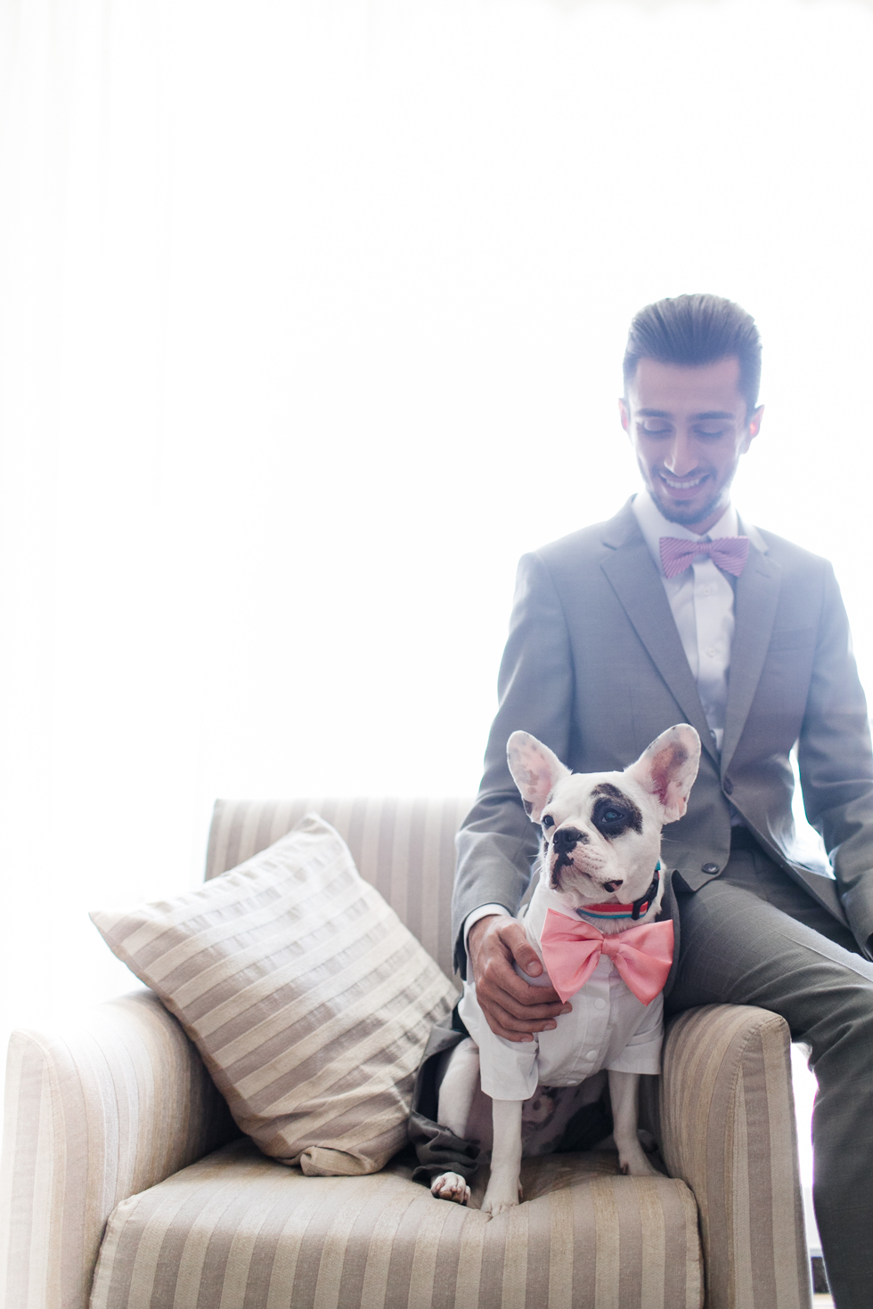 Oh my, what a charming bistro wedding with two charming grooms and their cute dogs (Photos by Frankie & Marilia) (11)