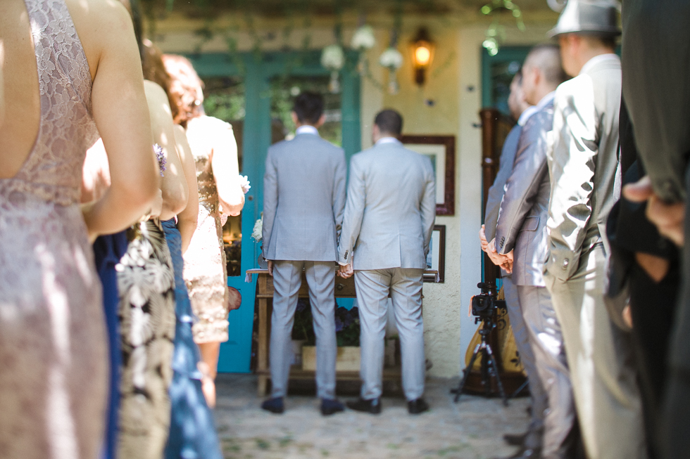 Oh my, what a charming bistro wedding with two charming grooms and their cute dogs (Photos by Frankie & Marilia) (30)