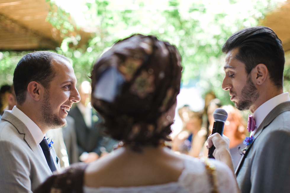 Oh my, what a charming bistro wedding with two charming grooms and their cute dogs (Photos by Frankie & Marilia) (35)