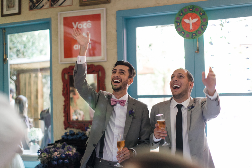 Oh my, what a charming bistro wedding with two charming grooms and their cute dogs (Photos by Frankie & Marilia) (54)