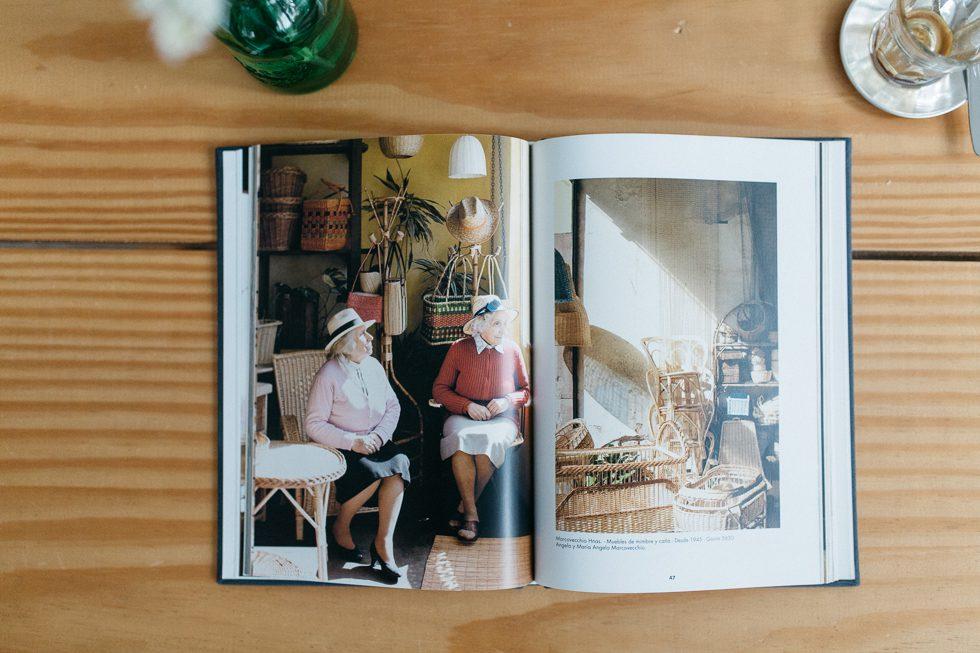 Locales | Tiendas classicas de la ciudad de Buenos Aires | Gustavo Sancricco | Photo: Frankie e Marília