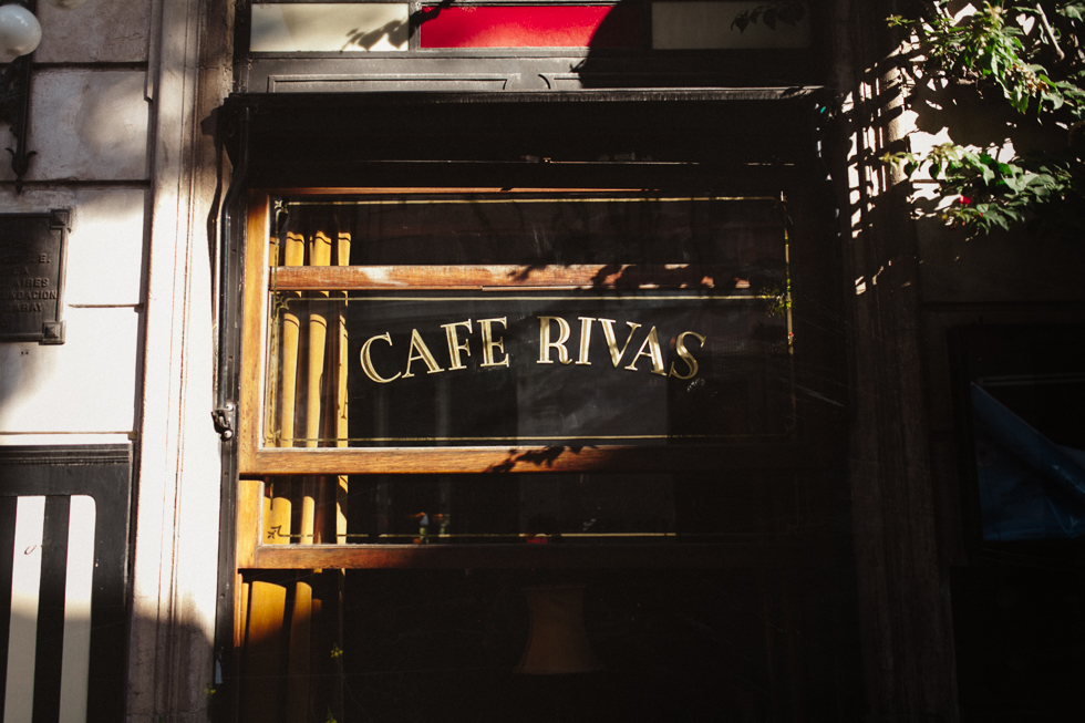 Café Rivas | A café to make you go back in time in San Telmo | Buenos Aires Guide | Frankie e Marília